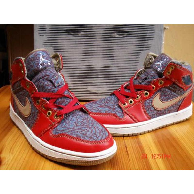 cheap for discount 7d920 15e19 Air Jordan 1 Levis Strauss Denim Fire Red Cement